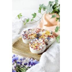 Kosteczki peelingujące z kwiatami